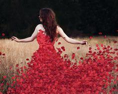 Fille avec robe de pétales de rose   Fonds d'écran