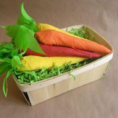 Cenouras de papel crepom para a Páscoa