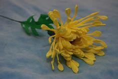 Игольчатая Хризантема из конфет. Мастер-класс.