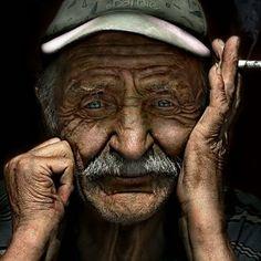 Qu'est-ce qu'on lit ? Qui est cet homme. Ce que dit son visage.. http://hommesimple.fr