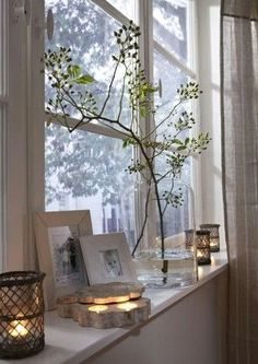 What prospects: Window decoration in autumn - Wohnen - DIY Deko Living Room Windows, Living Room Decor, Window Ledge Decor, Modernisme, Sweet Home, Diy Pallet Sofa, Diy Hanging Shelves, Decoration Table, Bay Window