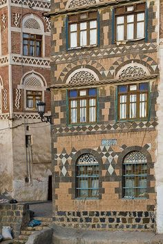 Yemeni architecture - Sana'a, Yemen by Phil Marion, via Flickr