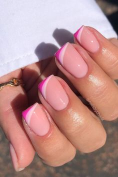 Pink Tip Nails, French Tip Acrylic Nails, Cute Gel Nails, Short Gel Nails, Nail Tip Colors, Colored Nail Tips French, Pink Acrylic Tips, Colorful French Manicure, Nails French Design
