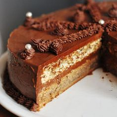 Theodora Torte (scroll down for translated recipe.The cake is rich and sumptuous, with an intensive walnut-mocha aroma. Torte Recepti, Kolaci I Torte, Tart Recipes, Sweet Recipes, Dessert Recipes, Chocolate Desserts, Chocolate Cake, Torte Cake, Brownie Cake