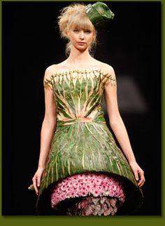 Franz Grabe flower couture SA Fashion Week 2008 from http://www.franzgrabe.co.za/flower_sa_fashion_2008.html