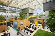 Co Working, Working Area, Building Design, Building A House, Modern Classroom, Office Interiors, Interior Office, Interior Design, Green Office