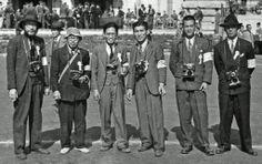 대한민국 독립 당시 언론 사진기자들의 모습입니다.(1940) Photo Journalists around the time of independence