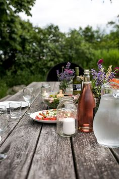 Simple Evening: Summer& Abundance in Leelanau County, Michigan. The Fresh Exchange. Ostern Party, Slow Living, Deco Table, Decoration Table, Home Decor Kitchen, Outdoor Entertaining, Golden Girls, The Fresh, Outdoor Dining