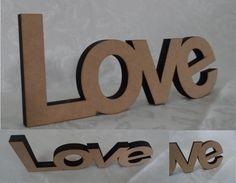 """""""LOVE"""" em MDF cru para decoração de mesa, com espessura para parar em pé sem apoio. Medidas: 10 x 24 cm Espessura: 12 mm Material: MDF cru, sem pintura ou verniz. Fabricação: corte a laser. #artesanato #mdf #letrasmdf #decoração http://beijaflorartesanato.lojaintegrada.com.br/love-de-mesa"""