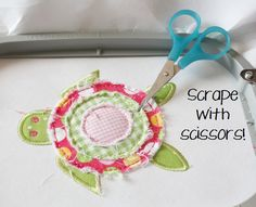 Embroidery Designs Cute raggy raw edge in-the-hoop flowers! Oops, it's a turtle! Local Embroidery, Embroidery Designs, Sewing Machine Embroidery, Machine Applique, Diy Embroidery, Sewing Appliques, Applique Patterns, Applique Designs, Quilt Patterns