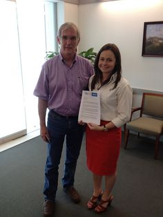 Kelley Johnson delivering Syria Educate Congress letter to Rep Richard Neal's office (MA)