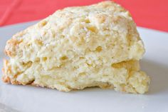 These vanilla scones are perfect for breakfast, brunch or just a snack. Serve alone or with a 'spot of jam'. Just Desserts, Delicious Desserts, Yummy Food, Breakfast Recipes, Dessert Recipes, Scone Recipes, Breakfast Pastries, Breakfast Time, Brunch Recipes