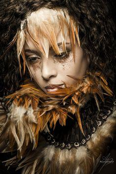 PLUMES - MAKE-UPNATURAL Louise Brooks, Pink Lady, Black Power, Maisie Williams, Close Up, Daenerys Targaryen, Game Of Thrones Characters, Photos, Asian Woman