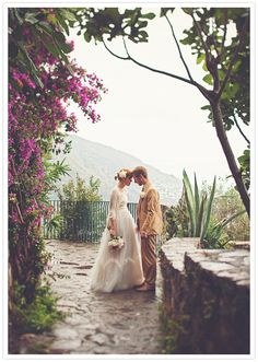 cliff-side wedding portraits | Italy