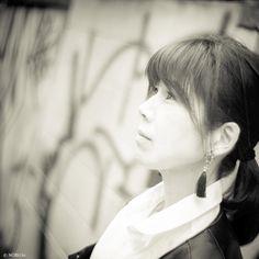 Timid love. #love #beauty #girl #harajuku #原宿 #表参道 #tokyo #monochrome #rock #leica #m9 #50mm #summitar #nobu_tv