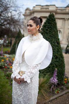 Chompoo Araya A. Hargate - Paris Fashion Week Fall 2016 street style - March 7, 2016