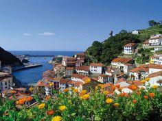 Cudillero. Diez pueblos muy bonitos de Asturias teñidos de verde