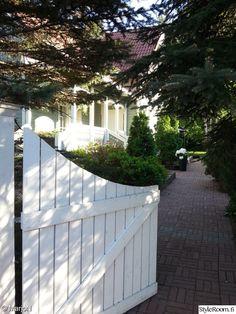 puutarha,piha Sidewalk, Backyard, Gardening, Outdoor, Inspiration, Home, Door Entry, Outdoors, Biblical Inspiration