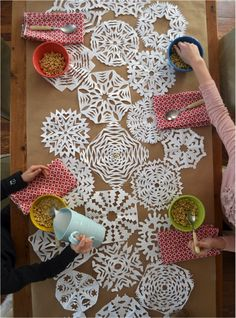 DIY: snowflake table runner - use for informal buffet - lay out paper snowflakes on red cloth - adds design and texture and the kids can help with cutting them. Snowflake Decorations, Christmas Decorations, Easy Snowflake, Winter Christmas, All Things Christmas, Christmas Brunch, Christmas Parties, Snow Flakes Diy, Holiday Crafts