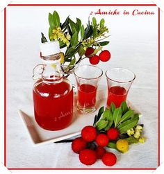 2 Friends in the Kitchen: Strawberry Tree Liqueur 370 ml of alcohol 370 gr of strawberry tree. Strawberry Png, Nutella, Food Bulletin Boards, Homemade Liquor, Beautiful Fruits, Kitchen Witch, Healthy Drinks, Food Hacks, Alcohol