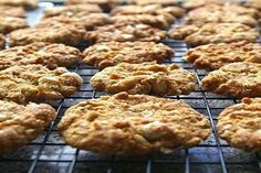 Nutty rolled oat cookies