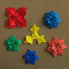 Origami Quilt - Blue-Eyed Grass Flowers   Origami - Artis Bellus