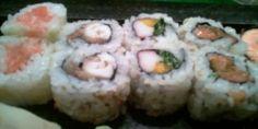Como fazer comida japonesa em casa como enrolar sushi uramakis