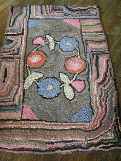 Outstanding Vintage 30s Hand Hooked Fl Rug Nice Cottage Shabby Chic Accent