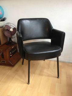 d tails sur paire de fauteuils conference pivotant eero saarinen knoll eero saarinen art et. Black Bedroom Furniture Sets. Home Design Ideas