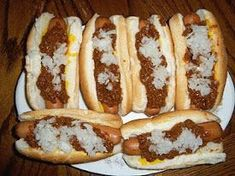 """I've got to try this recipe. This is how I like my """"dogs!"""" Coney Dog Sauce, Hot Dog Sauce, Sauce Recipes, Beef Recipes, Cooking Recipes, Kraft Recipes, Easy Cooking, Easy Recipes, Gastronomia"""