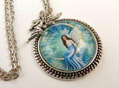 Edle Halskette in blau silber mit Elfe im Mond von Schmucktruhe