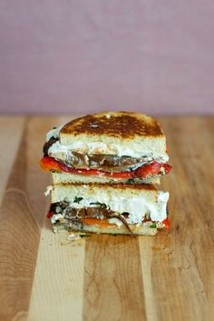 Roasted red pepper, portobello and goat cheese grilled cheese sandwich Goat Cheese Sandwiches, Goat Cheese Recipes, Grilled Cheese Recipes, Delicious Sandwiches, Wrap Sandwiches, Steak Sandwiches, Grilled Cheeses, Grill Sandwich, Veggie Sandwich