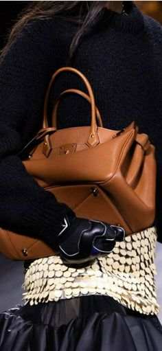 Louis Vuitton Accessories, Bags, Fashion, Handbags, Moda, Fashion Styles, Fashion Illustrations, Bag, Totes