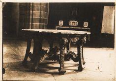 Mesa da sancristía da igrexa do mosteiro de San Xiao e Santa Basilisa. Samos, Lugo, ca. 1900. Xelatina de prata ao clorobromuro. 13 x 18 cm.