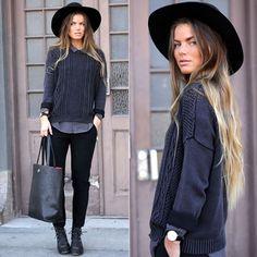 Look perfeito. Chapéu lindo.