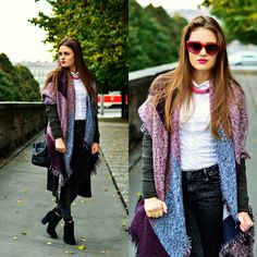 Big scarf outfits. High black heels and sunglasses. Red and purple acent.