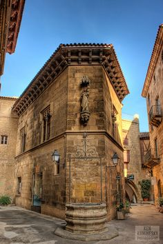 The Spanish Town (Catalan: Poble espanyol; Spanish: Pueblo español) is an outdoor open-air architectural museum, located on the mountain of Montjuïc, in the city of Barcelona, Spain..It was constructed in 1929, for the Barcelona International Exhibition, that was held in Barcelona that year.