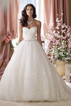 1b25f070b87 Brautkleider in Karlsruhe  Kleider für den großen Tag Romantische  Hochzeitskleider