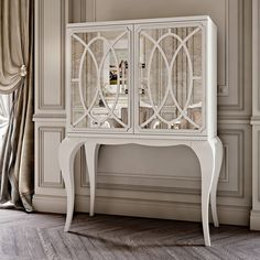 Luxury Italian White Fretwork Mirrored Cocktail Cabinet at Juliettes Interiors - Chelsea, London.