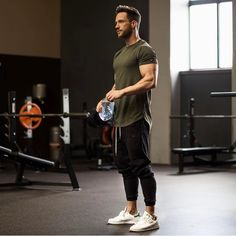 Gym man: pin by touch.style on men outfits / casual / men styles. Grey Fashion, Sport Fashion, Fitness Fashion, Mens Fashion, Outfits Hombre, Sport Outfits, Men Looks, Daniel Magic Fox, Gym Style
