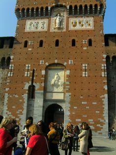 Onderkant van de ingangstoren.