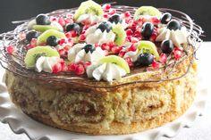Resep l Mareli se koekstruifkoek met vanielje vla-mousse en granaat- en kiwijellie South African Recipes, Ethnic Recipes, Vla, Pie Dessert, Trifle, Tiramisu, Acai Bowl, Mousse, Cooking Recipes