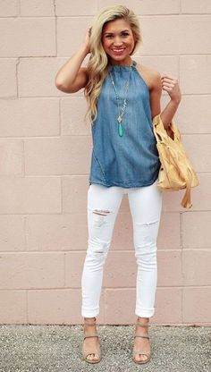 How to Wear White Denim Outfits this Summer Available in a variety of styles, white denims can help you look fresh. Look the best with these tips on how to wear white denim outfits this summer. Look Fashion, Fashion Outfits, Womens Fashion, Fashion Trends, Fall Fashion, Petite Fashion, Fashion Bloggers, Curvy Fashion, Fashion Design