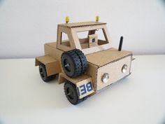 Cardboard robot: Ingmar's Raspberry Pi-powered bot is made from an old IKEA box!