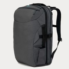 What are the best travel backpacks for traveling? Check out this list of 10 backpacks and backpack brands to consider for your backpacking travels. Best Carry On Backpack, Carry On Bag, Small Backpack, Packing Tips For Travel, Travel Bags, Travel Info, Backpacking Tips, Packing Lists, Travel Luggage