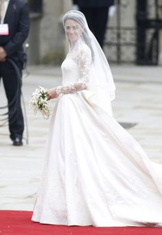 HEARD ABOUT THE VAS WEDDING DRESS EXHIBITION THESE NINE INCREDIBLE DRESSES EXPLAIN WHY ITS HAPPENING