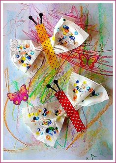 Papillons multicolores