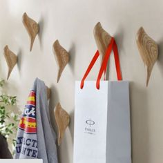 Cheap wall hanger, Buy Quality coat hooks directly from China wall hook Suppliers: Creative wall hooks bird decoration Resin wood grain hooks bedroom door after animals Hooks coat hook single wall hanger Coat Hanger Hooks, Hat Hanger, Towel Storage, Towel Hooks, Coat Storage, Storage Rack, Storage Organization, Decoration Entree, Decorative Wall Hooks