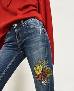 Image 6 of MID-RISE JEANS WITH FLORAL EMBROIDERY from Zara