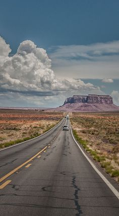 Valley Road Trip - The highway to Monument Valley.Road Trip - The highway to Monument Valley. Travel Photography Tumblr, Photography Beach, Road Trip Photography, Monument Valley, Road Trip Usa, Route 66 Road Trip, Travel Usa, Italy Travel, State Parks